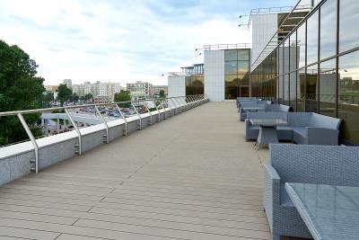 Интерьер террасы с покрытием RELAZZO