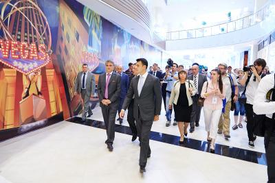 Репортажная фотосъемка открытия торгового центра